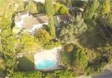 Уютный семейный дом с бассейном в Мужанах