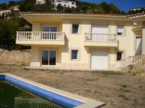 Солидный дом с видом на море в Castell-Platja d'Aro