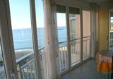 Меблированная квартира на первой линии моря