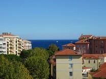 Пентхаус с двумя балконами рядом с морем в Ментоне