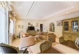 Просторная четырехкомнатная квартира в Ницце с большой террасой