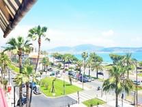 Большие апартаменты напротив моря в Ницце