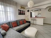 Апартаменты с боковым видом на море в Каннах