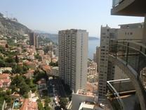 Студия с видом на горы и море в Монако