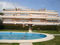 Квартира с собственным садом в Плайя-де-Аро