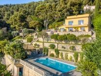 Большое поместье в пятнадцати минутах от Монако