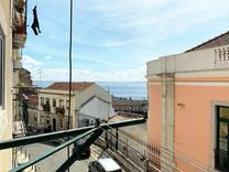 Апартаменты с потенциалом и видом на реку Tejo