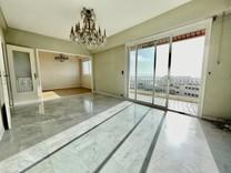 Четырёхкомнатная квартира под обновление в Ницце