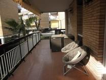 Четырехкомнатная квартира с видом на море в Гава Мар