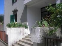 Двухкомнатные апартаменты с видом на море в Igalo