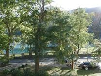 Квартира с двумя спальнями с видом на море в Доброте