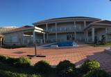 Престижное имение с большим участком в городе Бар