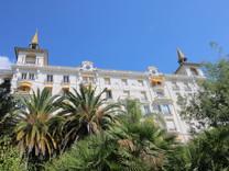Квартира под реставрацию в красивом дворце в Ментоне