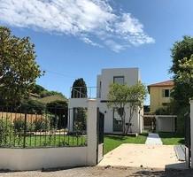Новый дом с бассейном в начале Cap d'Antibes, продажа. №34983. ЭстейтСервис.