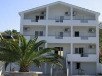 2х комнатная квартира с видом на море в Крашичи