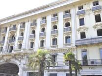Апартаменты в центре Золотой Площади в Ницце