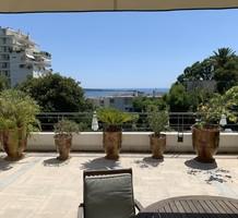 Большие апартаменты с видом на море в Каннах, продажа. №39273. ЭстейтСервис.