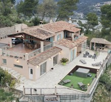 Ухоженный семейный дом в окрестностях Ниццы, Carros, продажа. №41364. ЭстейтСервис.