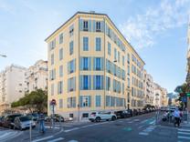 Шестикомнатные апартаменты по Rue Rossini в Ницце
