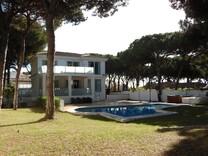 Современный дом поблизости от моря в Calahonda