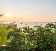 Четырехкомнатная квартира с видом в ста метрах от пляжа, продажа. №38251. ЭстейтСервис.