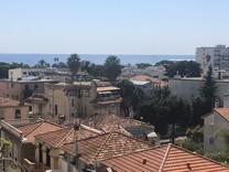 Квартира с тремя спальнями и видом на море в Ницце