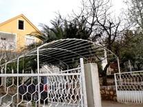Дом с видом на море и недалеко от берега в Утехе