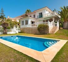 Большой дом с тремя спальнями в Михас Коста, продажа. №31504. ЭстейтСервис.