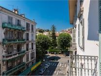 Трёхкомнатные апартаменты по Rue Gioffredo