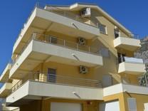 Новые апартаменты рядом с берегом моря в Доброте