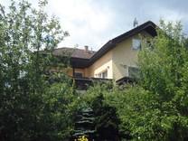 Уютный дом с красивым садом в окрестностях Лафниц