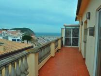 Апартаменты с видом на море в Паламосе