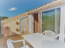 Солнечный трёхэтажный дом в районе Carrer Arboç