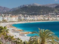 Трехкомнатная квартира на знаменитой Promenade des Anglais