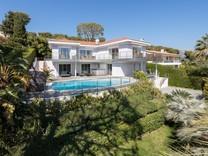 Семейный дом с видом на море в Saint-Jean-Cap-Ferrat