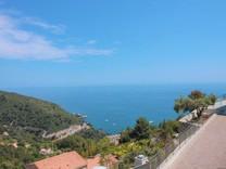 Вилла с захватывающей панорамой в Eze