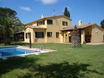 Просторный дом в Сalella de Palafrugell