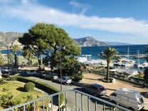 Большой дуплекс напротив моря и порта Cap-Ferrat