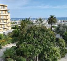 Квартира с видом на море и порт в Ментоне, продажа. №38343. ЭстейтСервис.