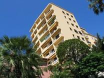 Просторная квартира с двумя спальнями с видом на море в Монако