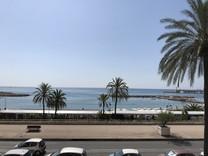 Апартаменты на первой линии с прямым видом на море