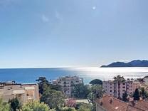 Апартаменты с видом на море в Каннах