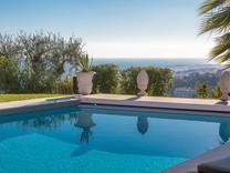 Вилла с шикарной панорамой на море и Ниццу