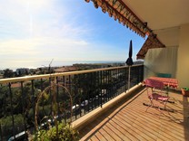 Четырехкомнатная квартира с видом на море в Ницце, район Napoleon III