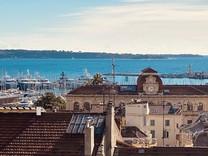 Пентхаус с видом на море у подножия Marché Forville
