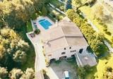 Двухуровневый дом с шикарным видом в Ментоне