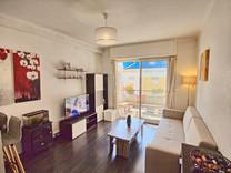 Удобная двухкомнатная квартира в центре Antibes