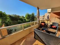 Светлые апартаменты в районе Corniche Fleurie