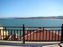 Двухэтажная вилла с видом на море в Созополе