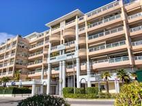 Апартаменты на первой линии моря в Golfe-Juan
